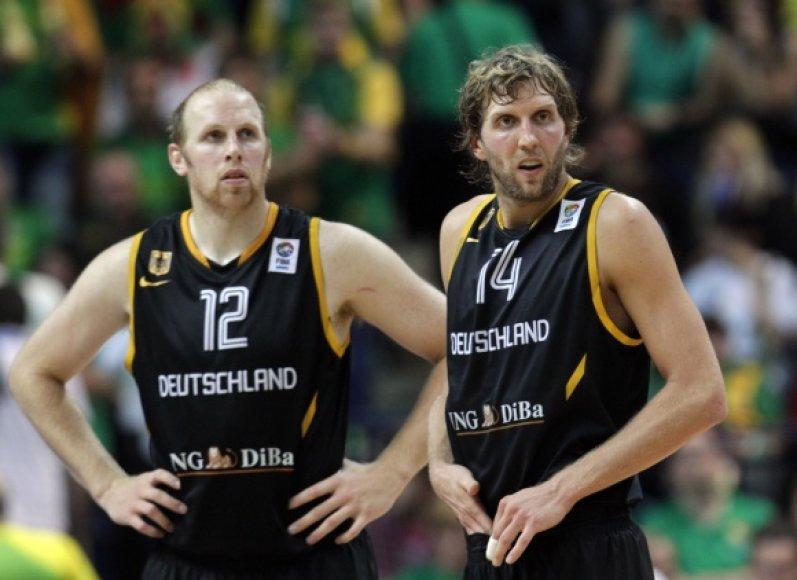 Chrisas Kamanas ir Dirkas Nowitzkis per sezoną NBA lygoje kartu uždirba daugiau nei 70 mln. litų.