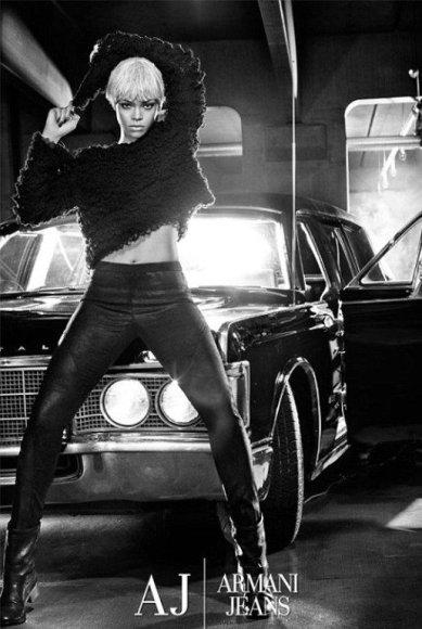 """Rihannos nuotrauka """"Armani Jeans"""" reklamai"""