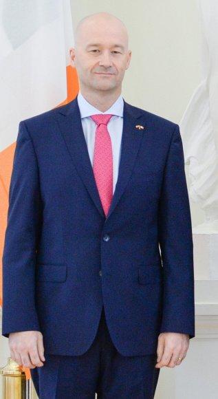 Davidas Noonanas