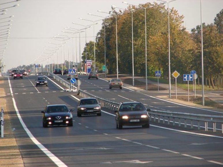 Kelio ruožas Radviliškis-Šiauliai tapo platesnis.