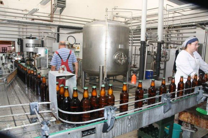 Alaus gamintojai teigia į ateitį žvelgiantys optimistiškiau nei degtindariai.