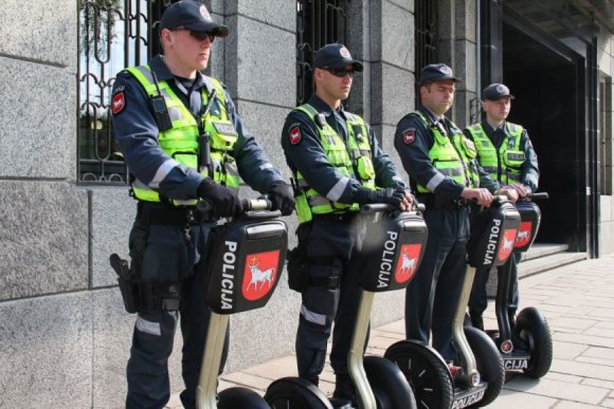 Kauno policininkai ant riedžių