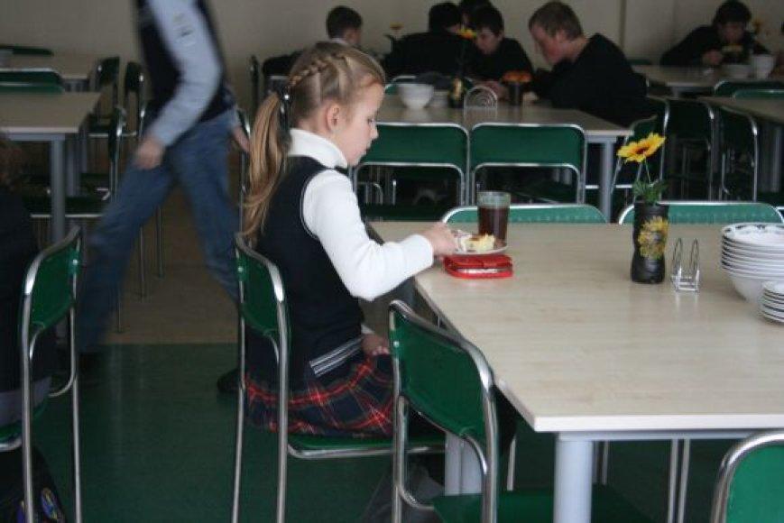Klaipėdos mokyklos raginamos įsijungti į programą ir pradinukus nemokamai vaišinti vaisiais ir daržovėmis.