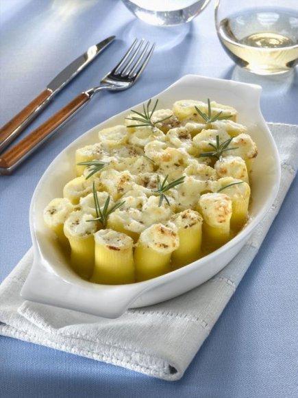Makaronai įdaryti pelėsiniu sūriu