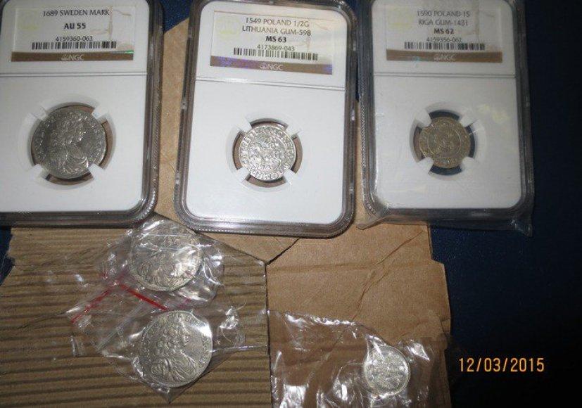 Muitininkai sulaikė neteisėtai iš Lietuvos ketintas išvežti senovines monetas.