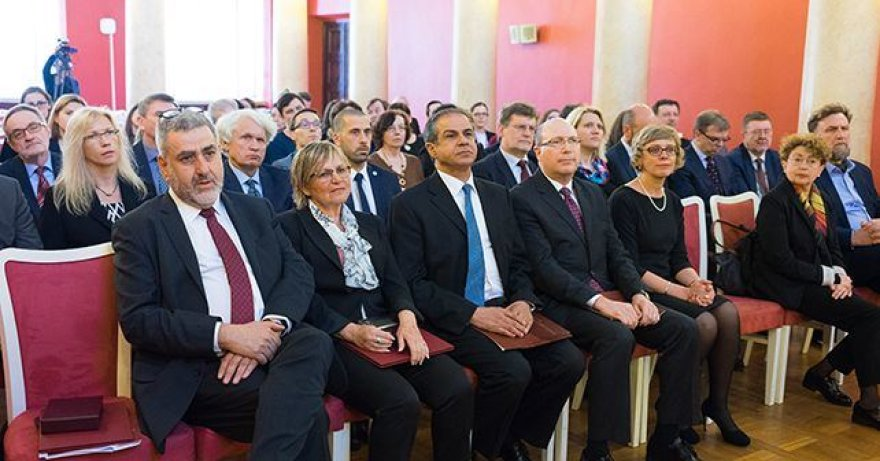 Atminties diplomų įteikimas Vilniaus universitete