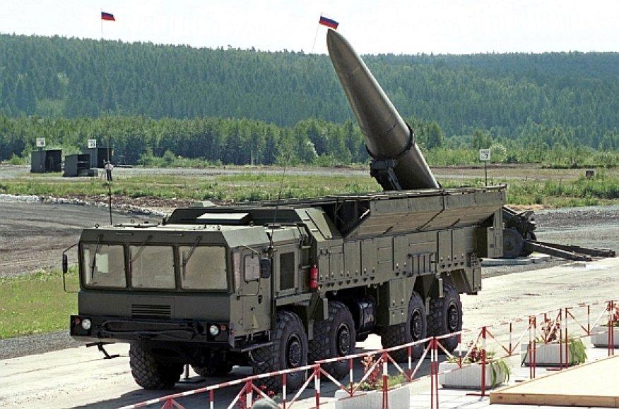 """Rusijos raketiniai kompleksai """"Iskander"""" bus dislokuoti Lietuvos pašonėje."""