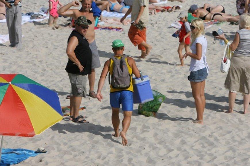 Čeburekų prekeiviai paplūdimiuose – vis dar neatsiejama Palangos paplūdimių įvaizdžio dalis.