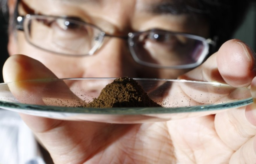 Japonijos mokslininkai Ramiojo vandenyno dugne rado didžiulius retųjų žemės mineralų klodus.