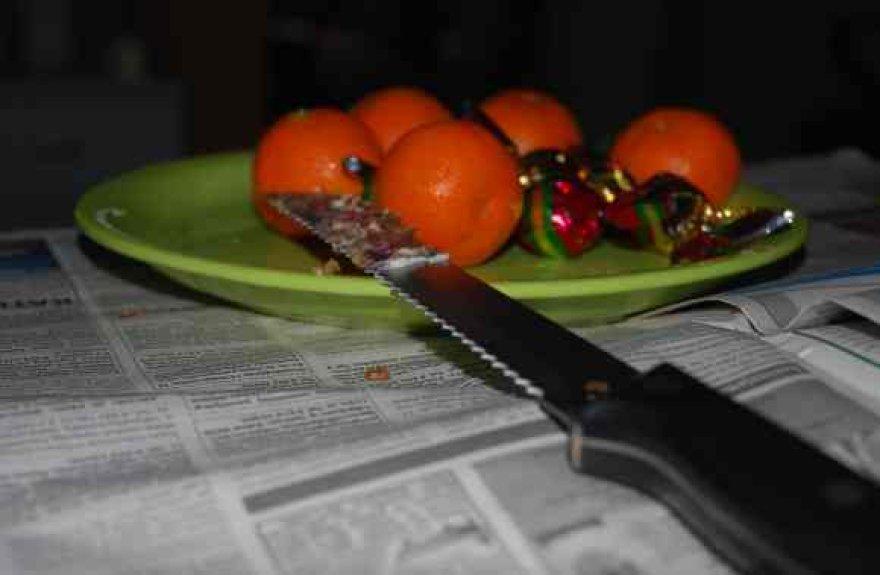 Peilius per šventes kai kurie lietuviai naudoja ne tik duonai bei pyragams riekti.