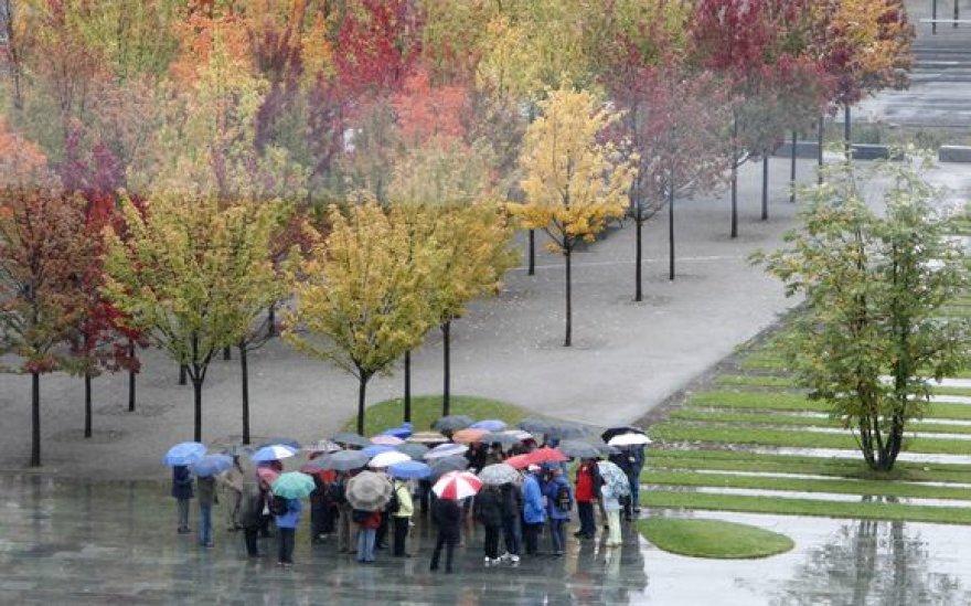 Vasaros karščius nuplauna rudeniškas lietus...