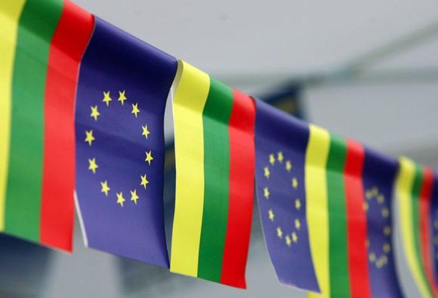 Europos Sąjungos ir Lietuvos vėliavos
