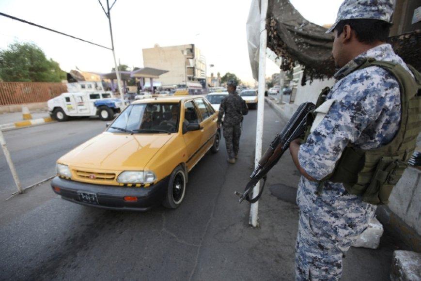 Irako policininkai gatvėje