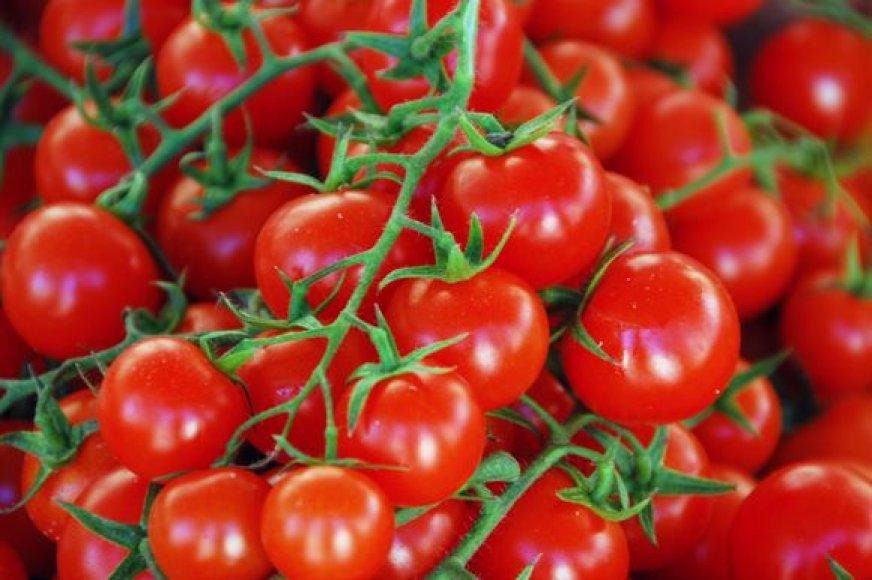 Šiems nesaldiems vieno kąsnio pyragėliams labiausiai tiks vynuoginiai pomidorai.