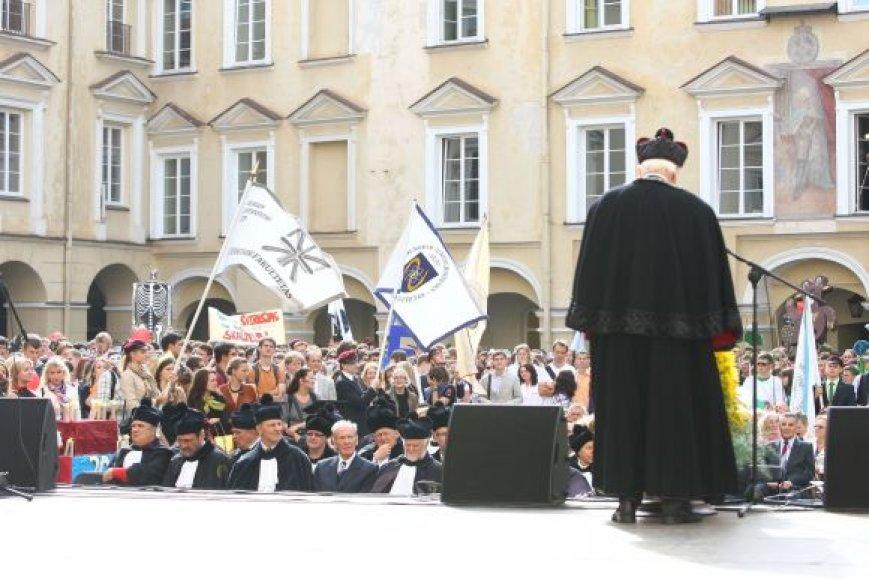 Rugsėjo 1-osios šventė Vilniaus universiteto Didžiajame kieme
