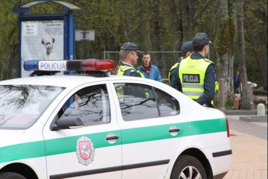 Per vieną dieną neblaivūs sulaikyti du Palangos policijos kriminalistai.