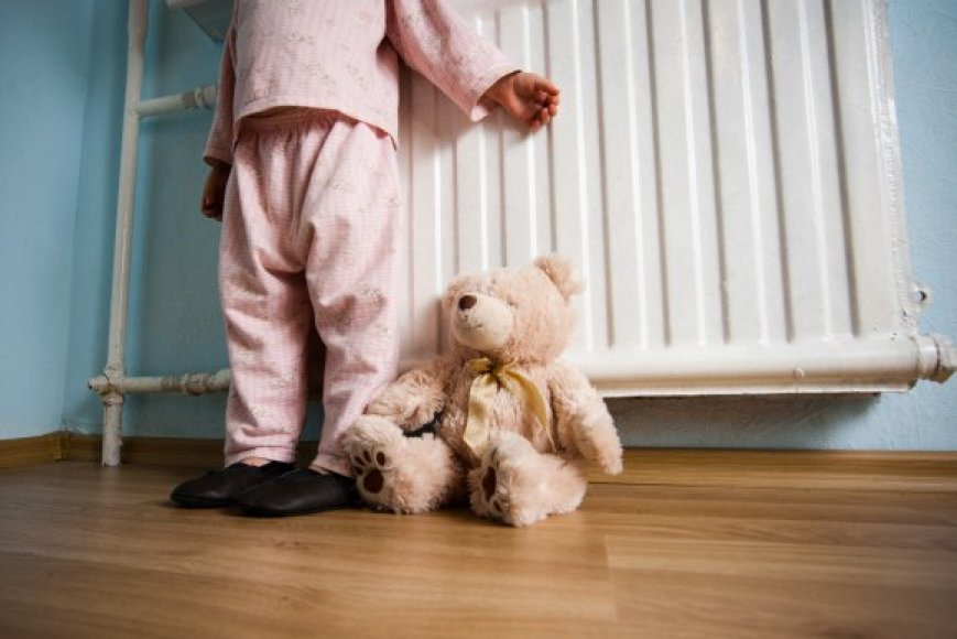 Psichologinių problemų turintys vaikai gali nebesulaukti pagalbos telefonu ar internetu.