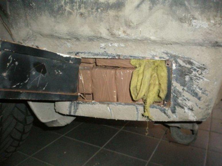 Slėptuvė mašinoje