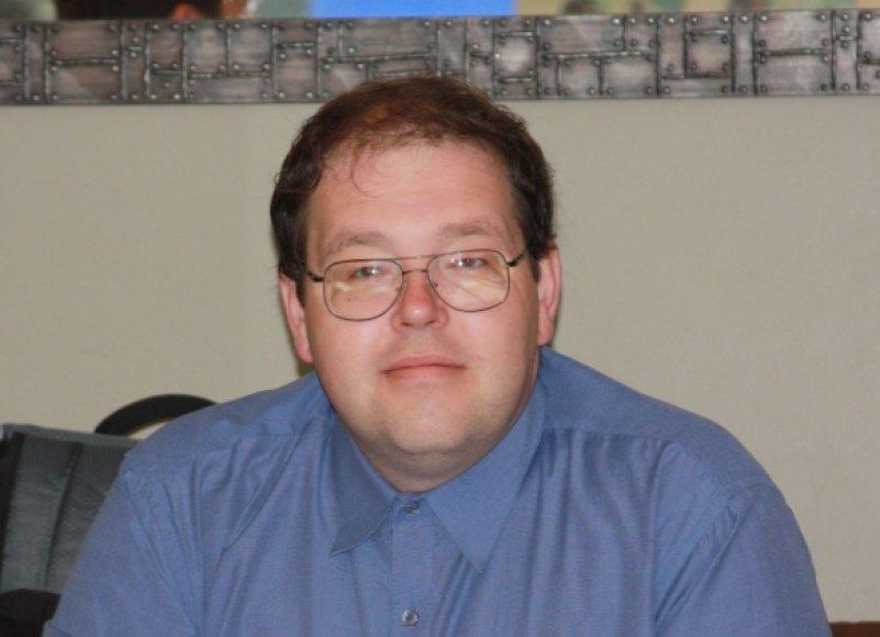 Interneto bei rinkodaros specialistas, žurnalistas, tinklaraštininkas Džiugas Paršonis.