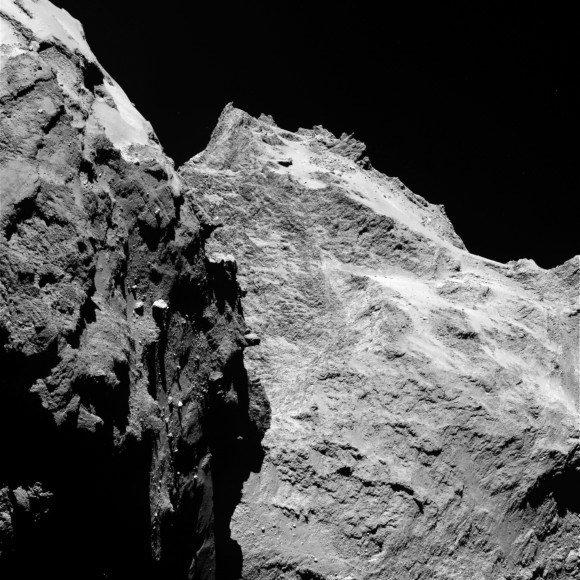 Čiurumovo-Gerasimenkos kometoje mokslininkai tikėjosi rasti ledo, tačiau jo čia nerado