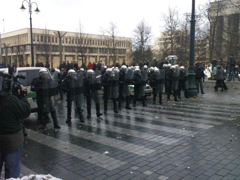 Mitingas ir riaušės prie Seimo sausio 16 d.