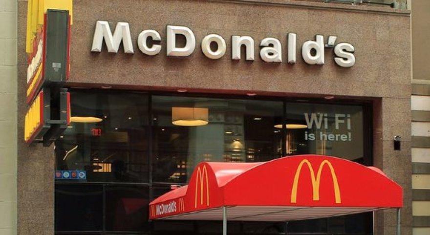 """""""McDonald's"""" Niujorke"""