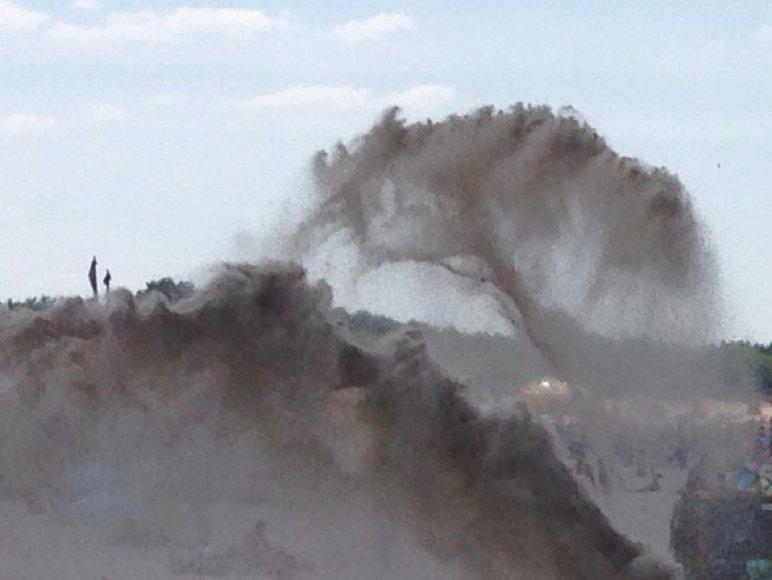 Netikėtai pakilęs viesulas nusiaubė Palangos paplūdimį.
