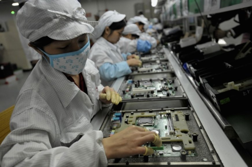 Įvairios technikos gamybą perkeliant į Azijos šalis, Vakarų valstybėse auga nedarbas.