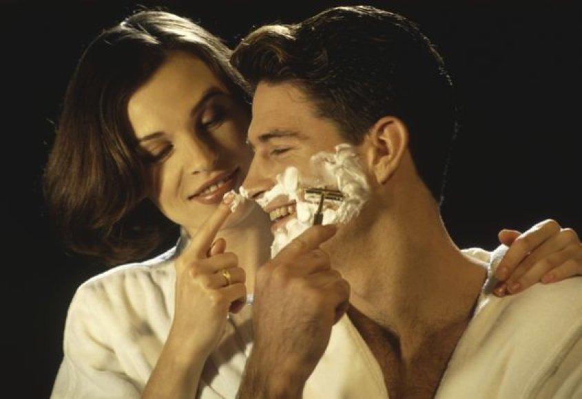 Atliktas tyrimas parodė, kad net 75 proc. apklausoje dalyvavusių moterų partnerio veidą dažniausiai glosto po sekso