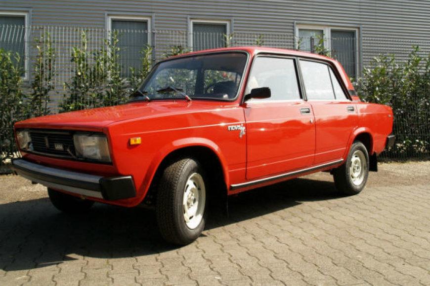 """Vokietijoje rastas 32 km pravažiavęs 1992 m. automobilis """"Žiguli"""""""