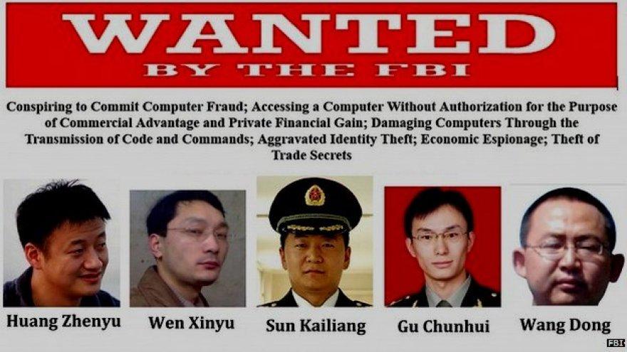 JAV Federalinis tyrimų biuras išleido plakatą su kibernetiniu šnipinėjimu kaltinamų kinų atvaizdais