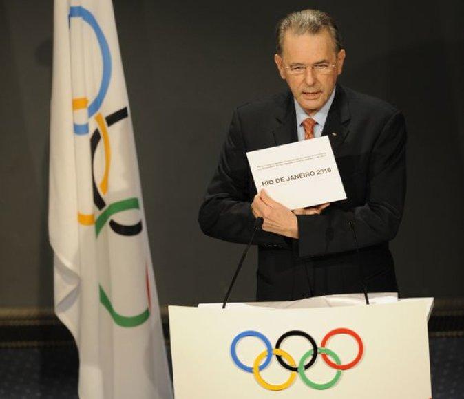 Pranešama, kad Rio de Žaneiro kandidatūra gavo 95 balsus.