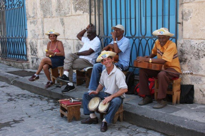 Muzikantai Havanos gatvėje