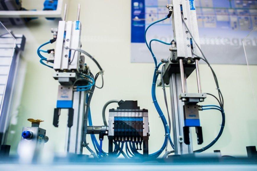 VGTU Elektronikos fakultete naudojama įranga