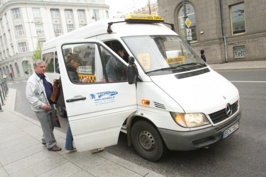 Po kelių dienų už kelionę mikroautobusų Vilniuje gali tekti mokėti litu brangiau.