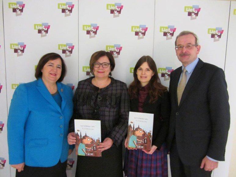 Susitikime su URM Užsienio lietuvių departamento specialistais aptarta knygelės sklaida užsienio lietuvių bendruomenėse