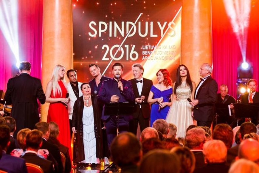 """Spindulys 2016"""
