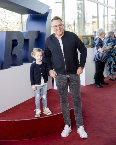 Egmontas Bžeskas su dukra Amelija