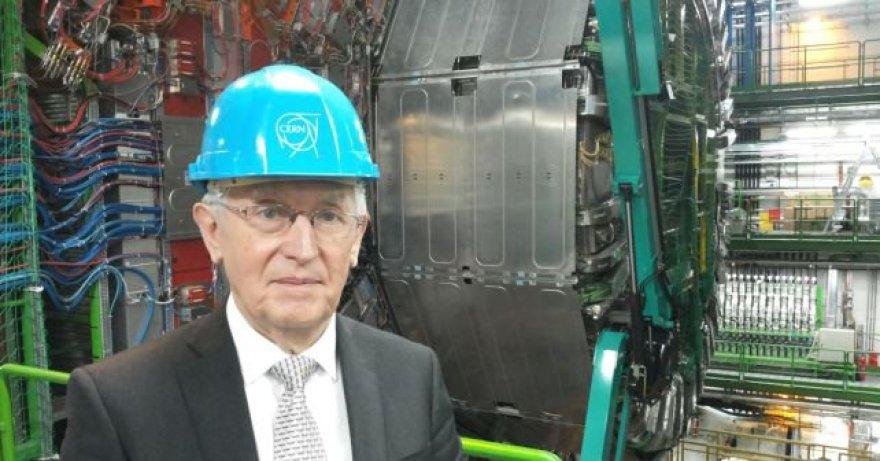 Profesorius Juozas Vaitkus CERN laboratorijoje