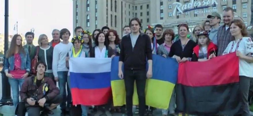 Grupė maskviečių susirinko išreikšti paramą Ukrainai