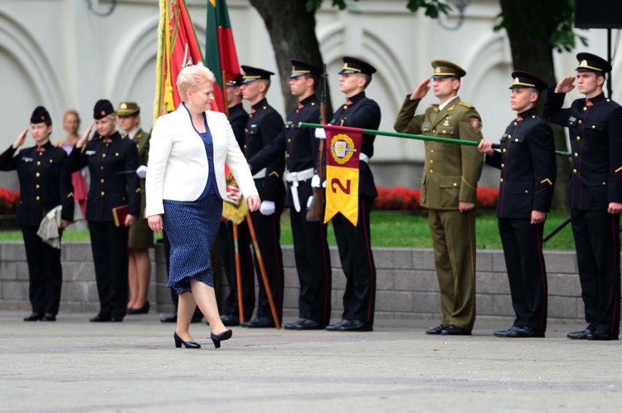 Generolo Jono Žemaičio Lietuvos karo akademijos absolventams suteiktas pirmasis karininko - leitenanto laipsnis