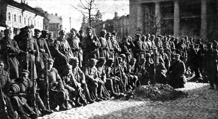 Lenkų kariai Vilniuje 1920 metais