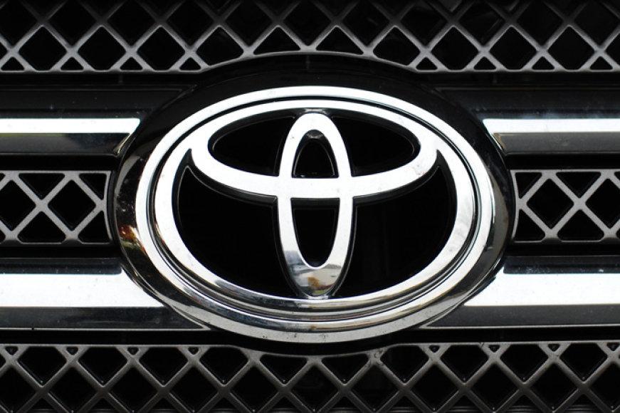 """""""Toyota"""" ženkliukas"""