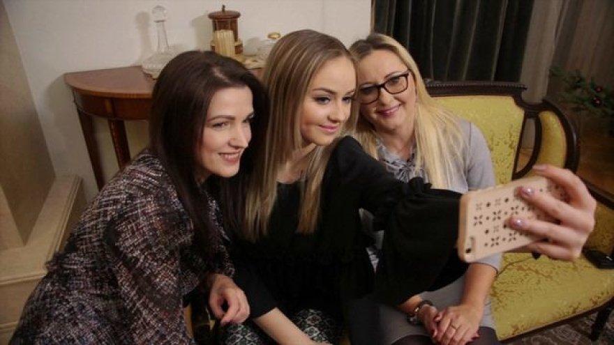 Iglė Bernotaitytė su mama ir Kristina Rimiene