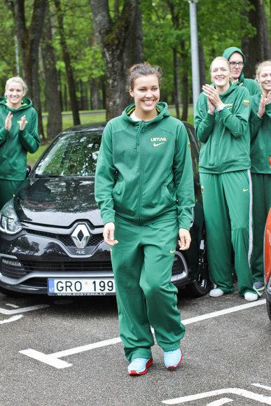 Lietuvos moterų krepšinio rinktinė slalomo trasoje