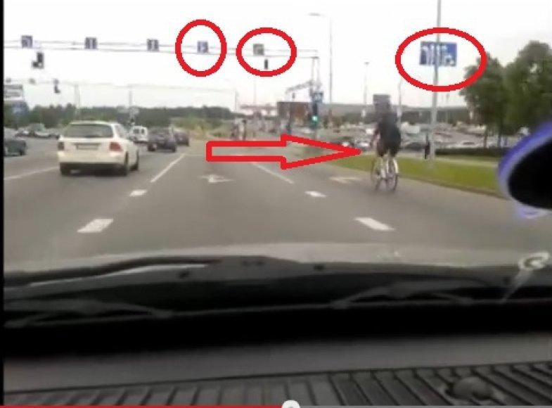 Fotopolicija: dviratininkas