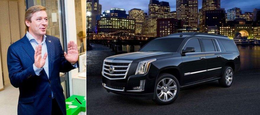 """Ramūnas Karbauskis deklaravo įsigijęs automobilį """"Cadillac D3 Escalade""""."""