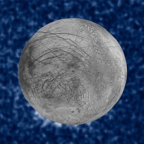 NASA specialistai tvirtina, kad geizerius galima pamatyti Europos paviršiuje, žvelgiant septintos valandos kryptimi