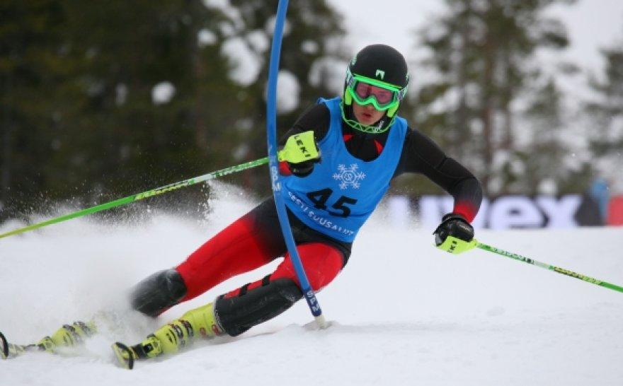 Rokas Zaveckas slalomo rungtyje.