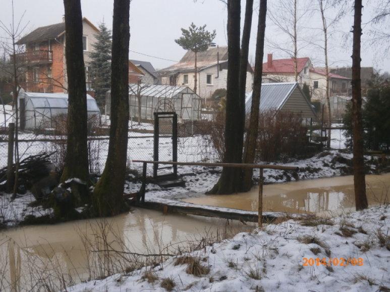 Užterštas Veržuvos upelis